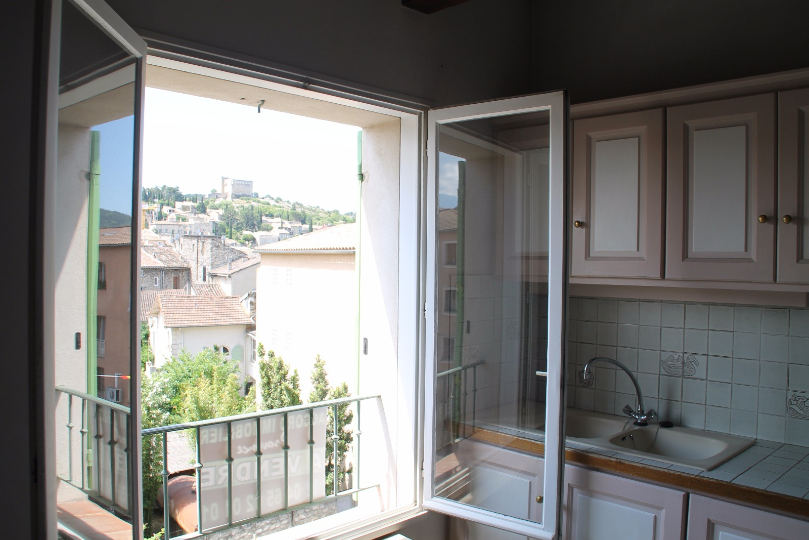 Vente vaison hyper centre ville de style loft bel for Appartement atypique 69
